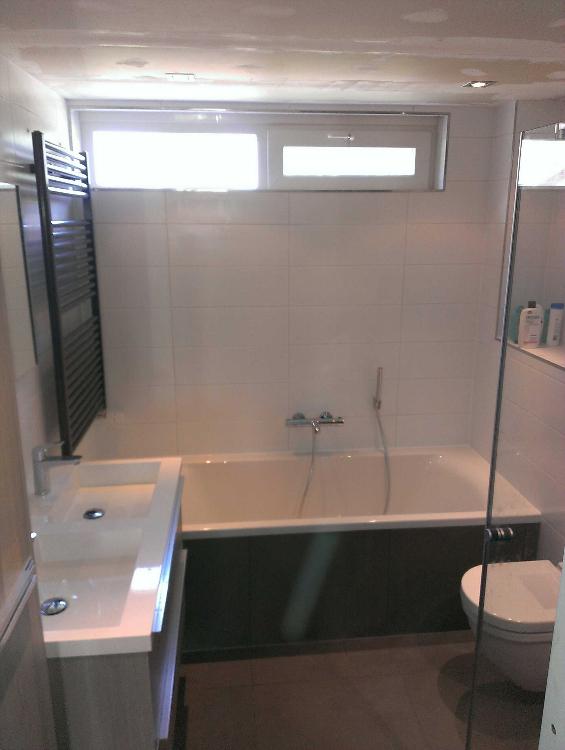 Badkamer en wc te tytsjerk timmer en afbouwbedrijf p bakker for Hoeveel kost een nieuwe badkamer gemiddeld
